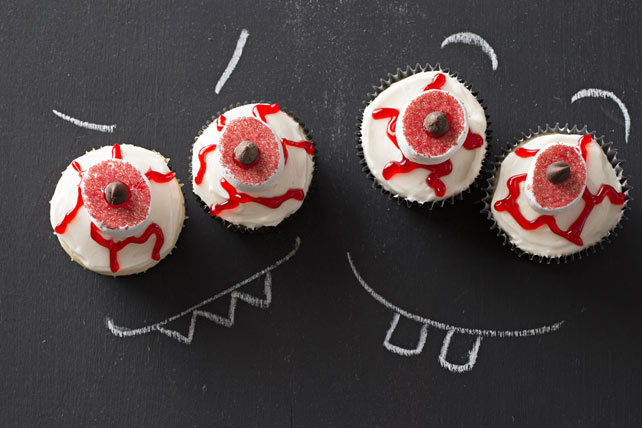 Bloody Eyeball Cupcakes Image 1