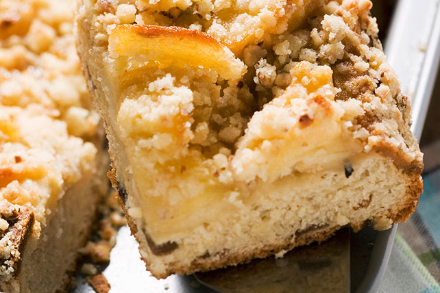Apple Crumble Cake Image 1