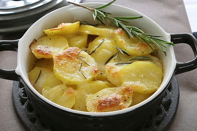 Pommes de terre au four au mozzarella et au romarin  Image 1