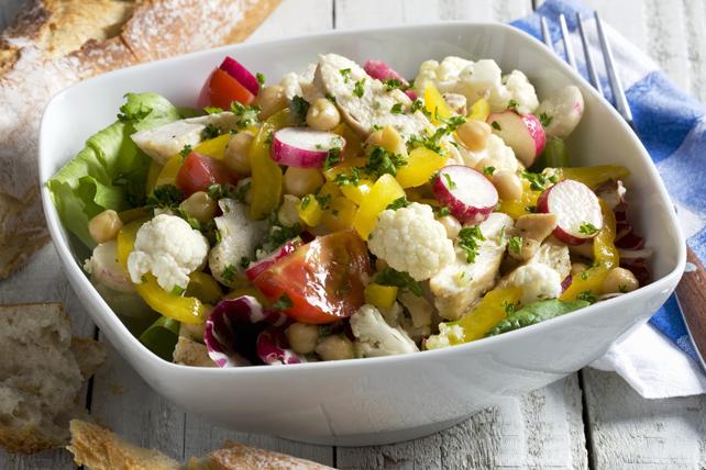 Salade de poulet et de chou-fleur pour une petite armée Image 1