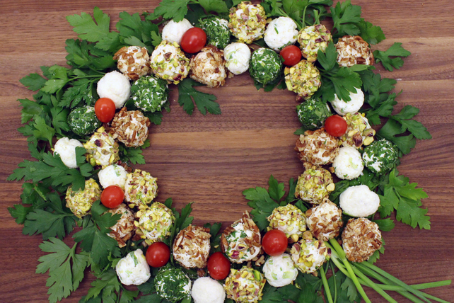 Cheese Truffle Wreath Image 1