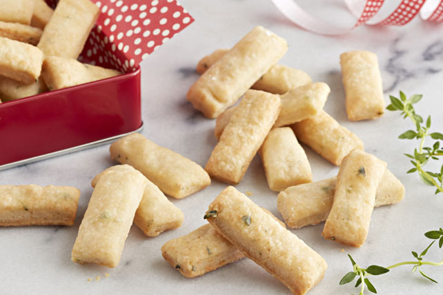 PHILLY Parmesan-Thyme Snack Crackers Image 1