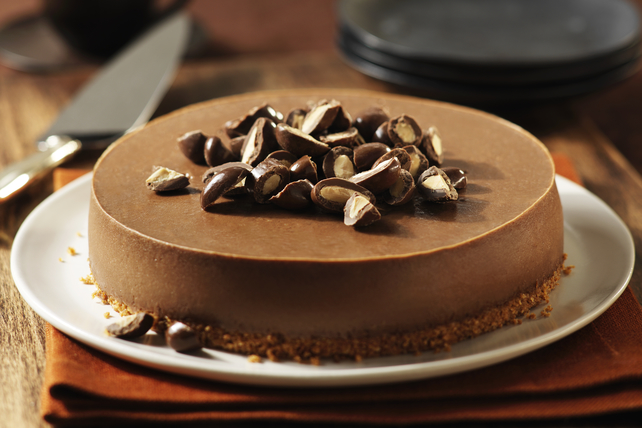 Chocolate-Almond Cheesecake Image 1
