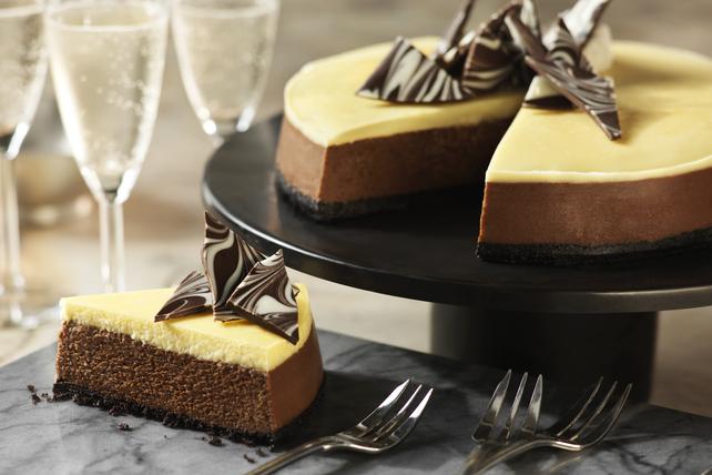 Tuxedo Cheesecake Image 1