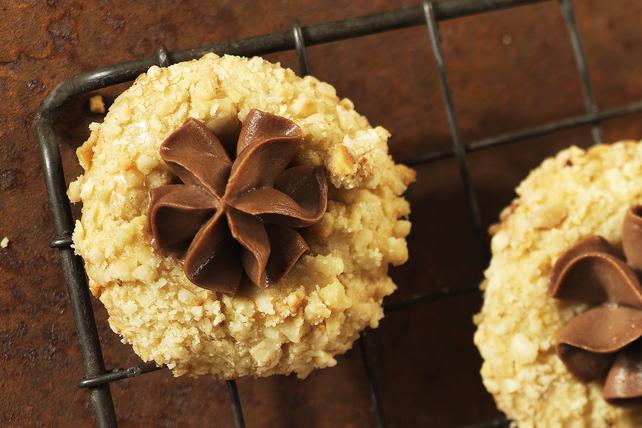Biscuits empreintes au chocolat et aux noisettes Image 1