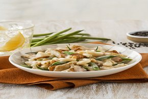 Cashew Chicken with Green Beans Image 2
