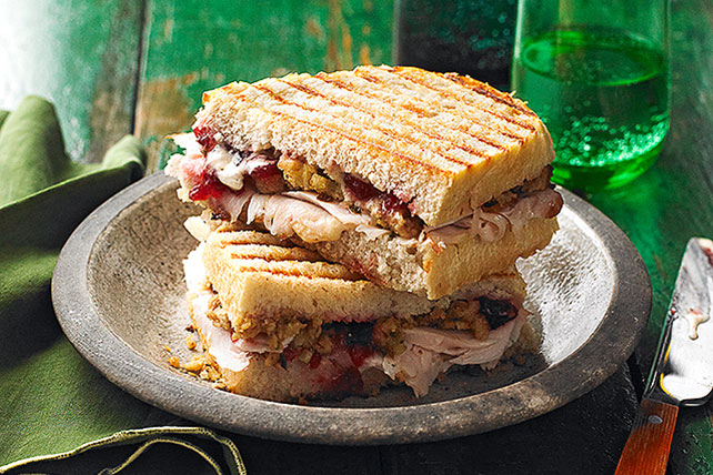 Sándwich panini con sobrantes de pavo Image 1