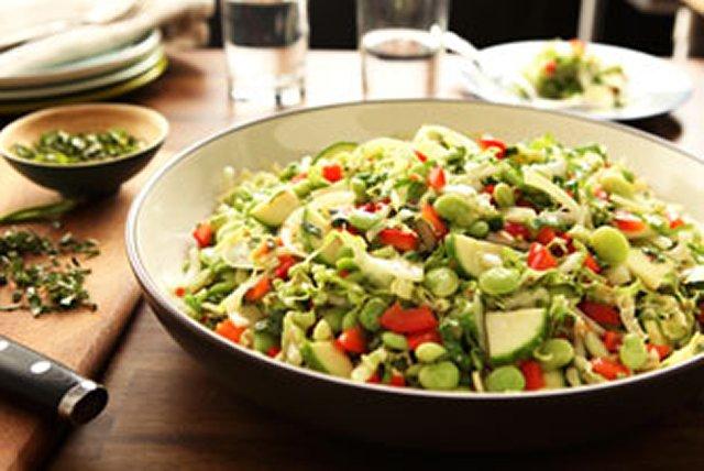 Salade piquante de chou et de haricots de Lima Image 1