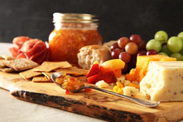 CERTO Peach-Vanilla Bean No-Cook Jam Image 1