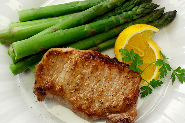 Marinated Pork Chops with Asparagus Image 1