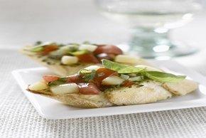 Parmesan Pesto & Mozzarella Crostini Image 2