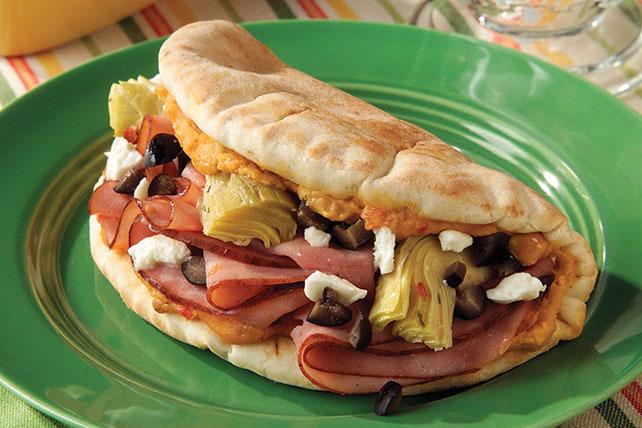 Sándwich griego en pan pita Image 1