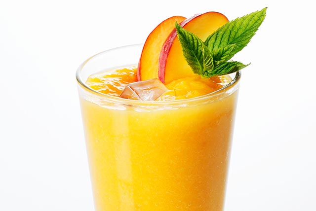 Peach-Mango Smoothie Image 1