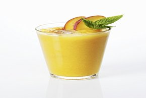 Peach-Mango Smoothie Image 2