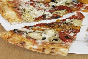 Artichoke Pizza Image 2