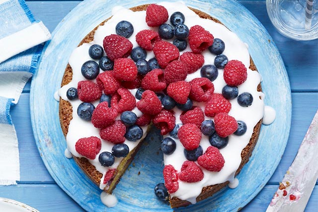 Berry Tart with Cream Cheese Filling Image 1