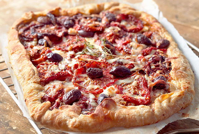 Easy Rustic Tomato and Olive Pizza Image 1
