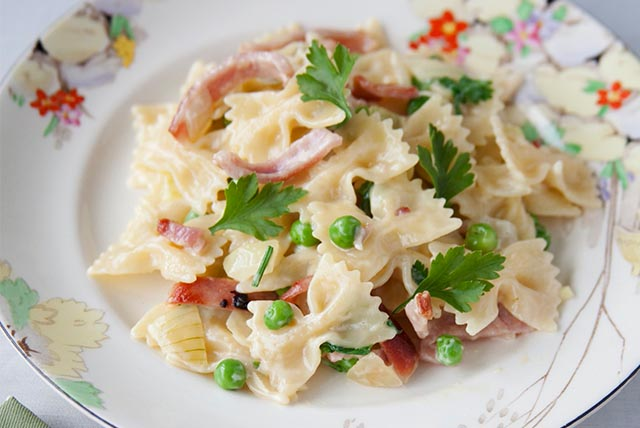 Farfalle Pasta with Bacon and Peas Image 1