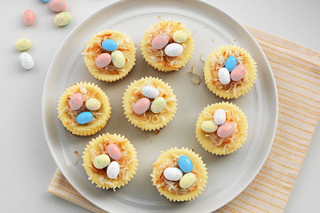 An awesome list of 30 sweet Easter foods to make. Dessert, appetizer, and inspiration recipes. Some require cooking, others just chopping! Featuring bunnies (bunny), eggs, carrots, peeps, chicks, spring nests, and an assortment of other cute holiday tasty treats.