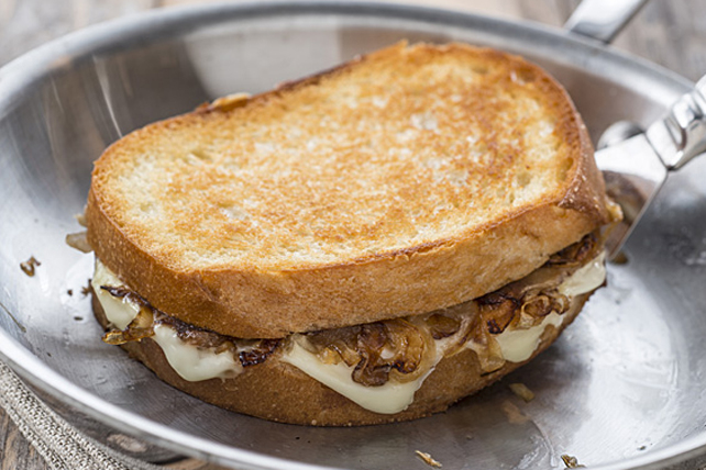 French Onion Grilled Cheese Image 1