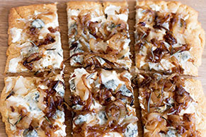 Gorgonzola & Caramelized Onion Pizza