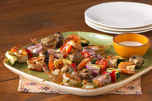 Brochetas de camarón y verduras Image 1