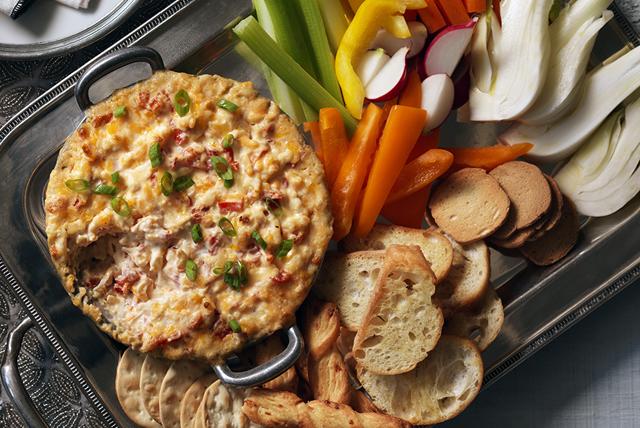 Trempette aux trois fromages et aux poivrons rouges rôtis Image 1