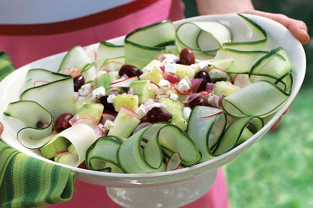 Sencilla y crujiente ensalada de pepino Image 1