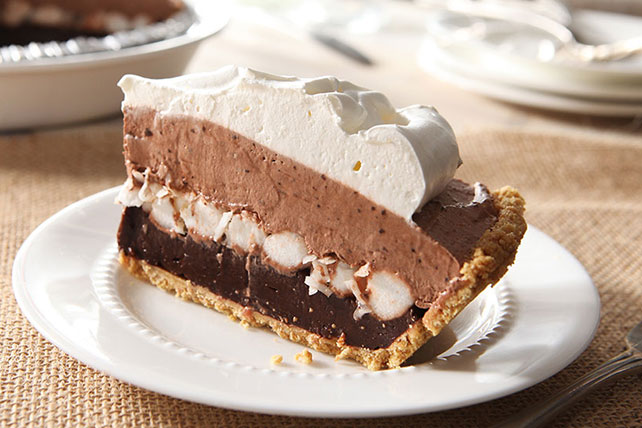 Layered Marshmallow & Chocolate Pudding Pie Image 1