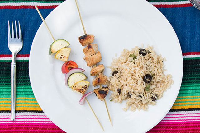 Greek Chicken Kabobs with Rice Image 1