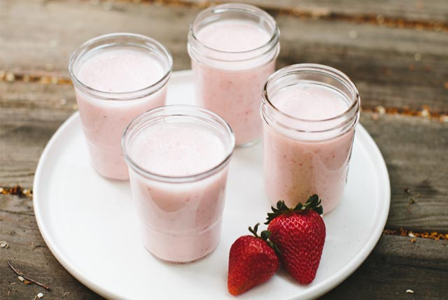 Lemonade & Strawberry Yogurt Smoothie Image 1