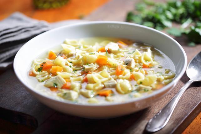 Soupe au poulet et aux nouilles Image 1