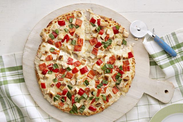 Pizza blanca de pollo a la parrilla Image 1