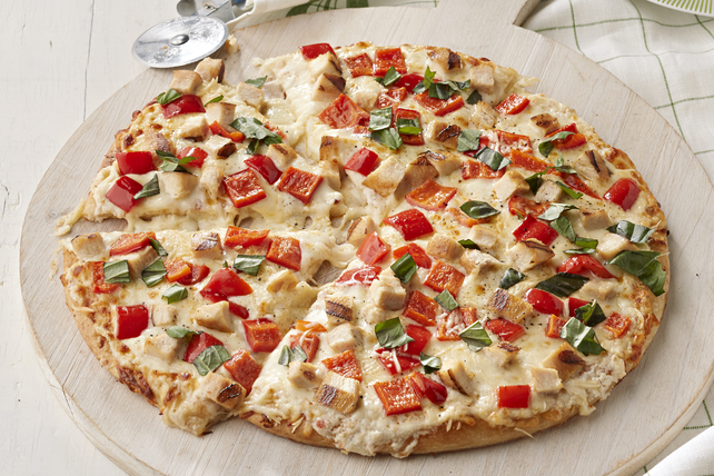 Grilled White Chicken Pizza Image 1