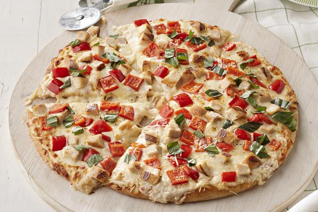 Pizza blanche au poulet grillé Image 1