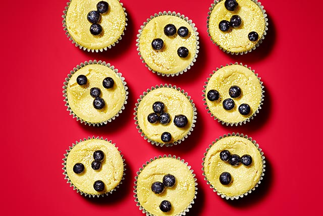 Lemon-Blueberry Cheesecake Minis Image 1