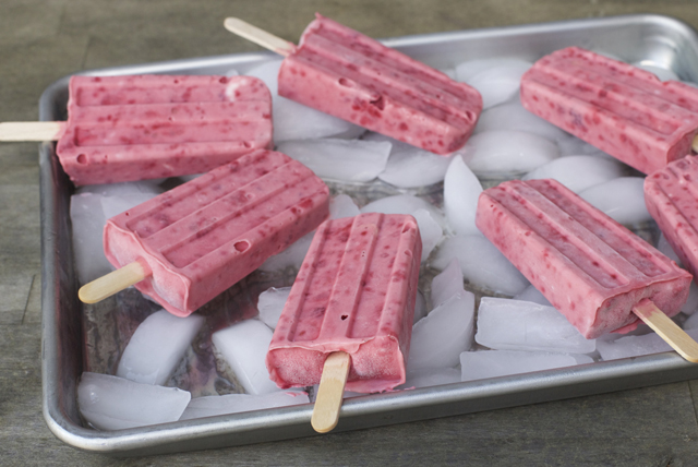 Raspberry and Cream Cheese Ice Pops Image 1