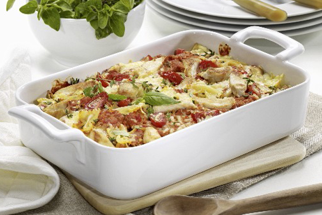 Tomato| Spinach and Chicken Pasta Bake
