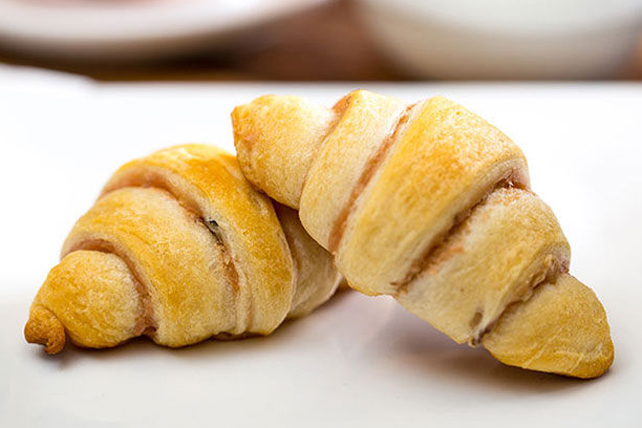 Strawberry Cream Cheese Crescents Image 1