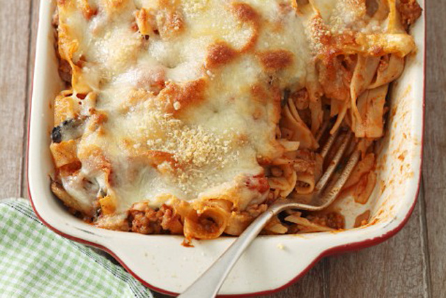 Pasta Bake with Meat Sauce and Cheese Image 1