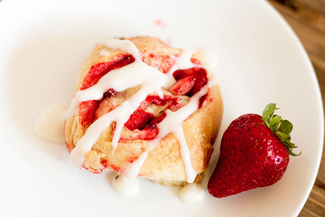 Fresh Strawberry Sticky Buns Image 1