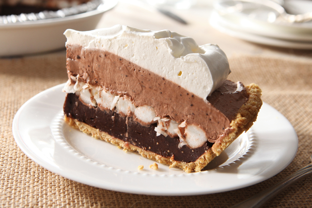 Layered Marshmallow and Chocolate Pudding Pie