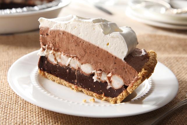 Tarte étagée au pouding au chocolat et à la guimauve  Image 1