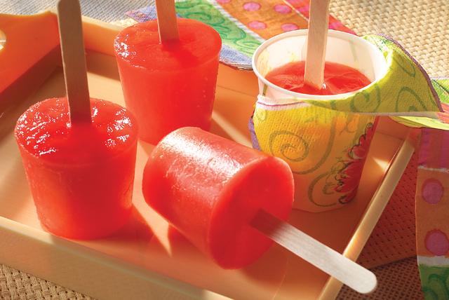 Paletas de gelatina JELL-O sabor a fresa   Image 1