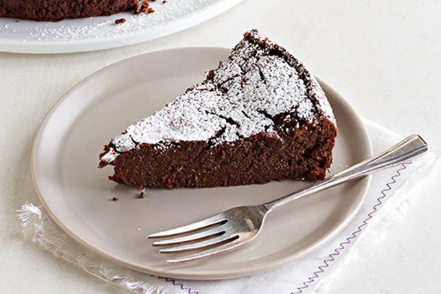 Pumpkin Pie-Spiced Flourless Chocolate Cake