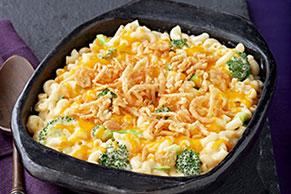 Cazuela de macarrones con queso y brócoli