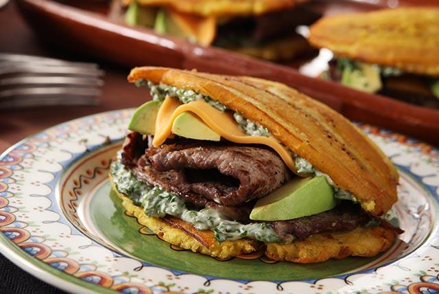 Jibaritos de carne con mayonesa a la chimichurri Image 1
