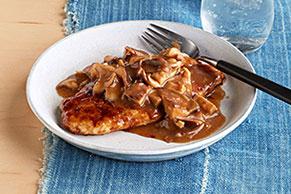 Pollo a la sartén con hongos shiitake