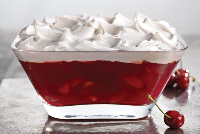 Postre de gelatina de cereza y granada Image 1