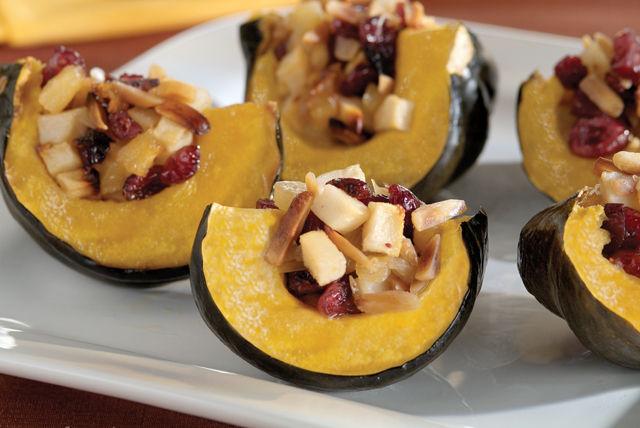 Calabaza bellota con relleno de frutas al horno Image 1